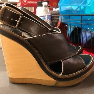 Chloe wooden wedge sandal 🌼offers welcome🌼